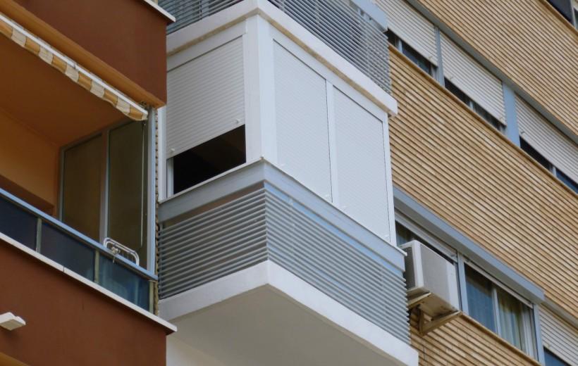 Cerramiento balc n - Persianas para balcones ...
