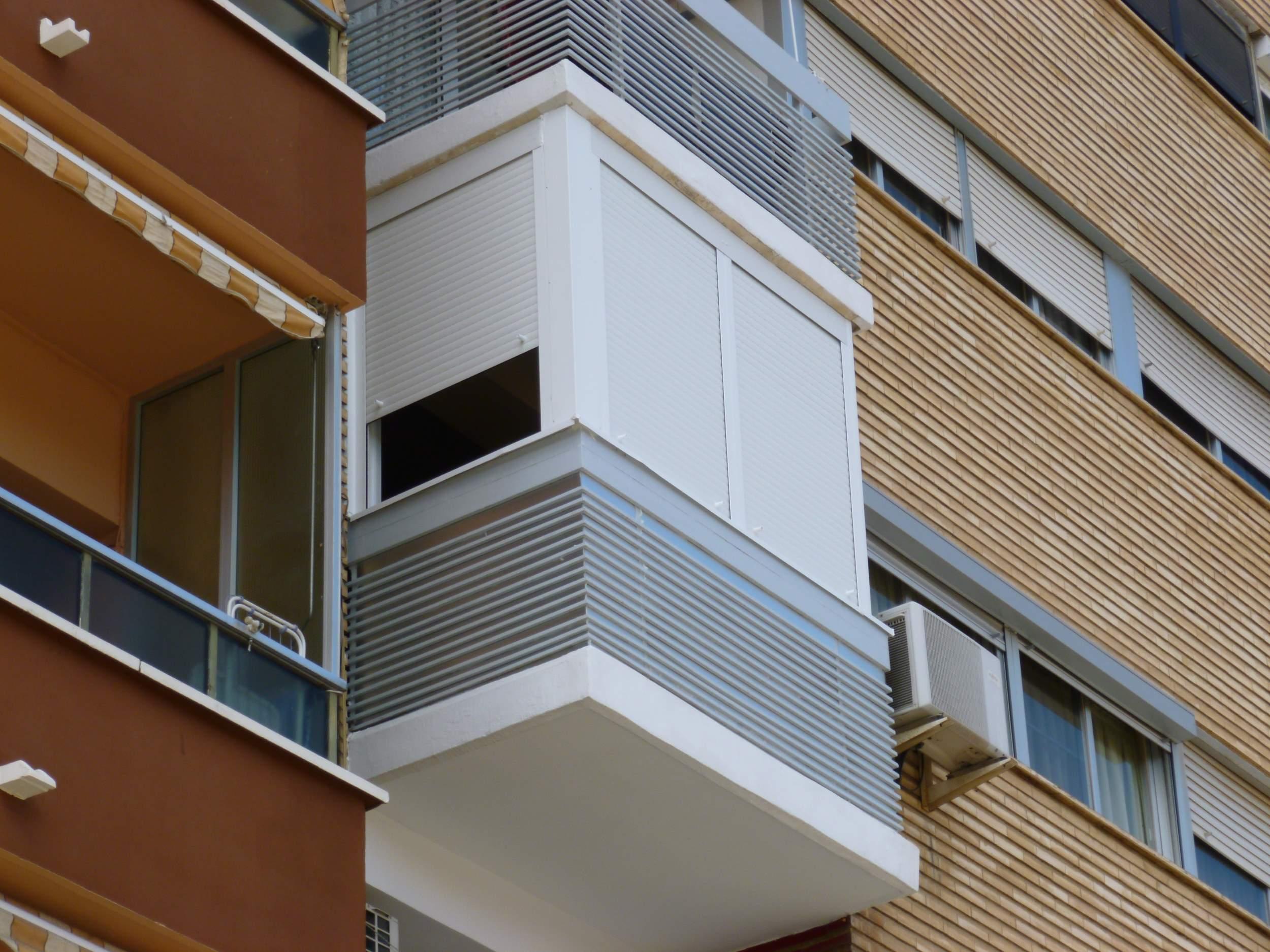 Cerramientos de galer as balcones y miradores - Estores para balcones ...